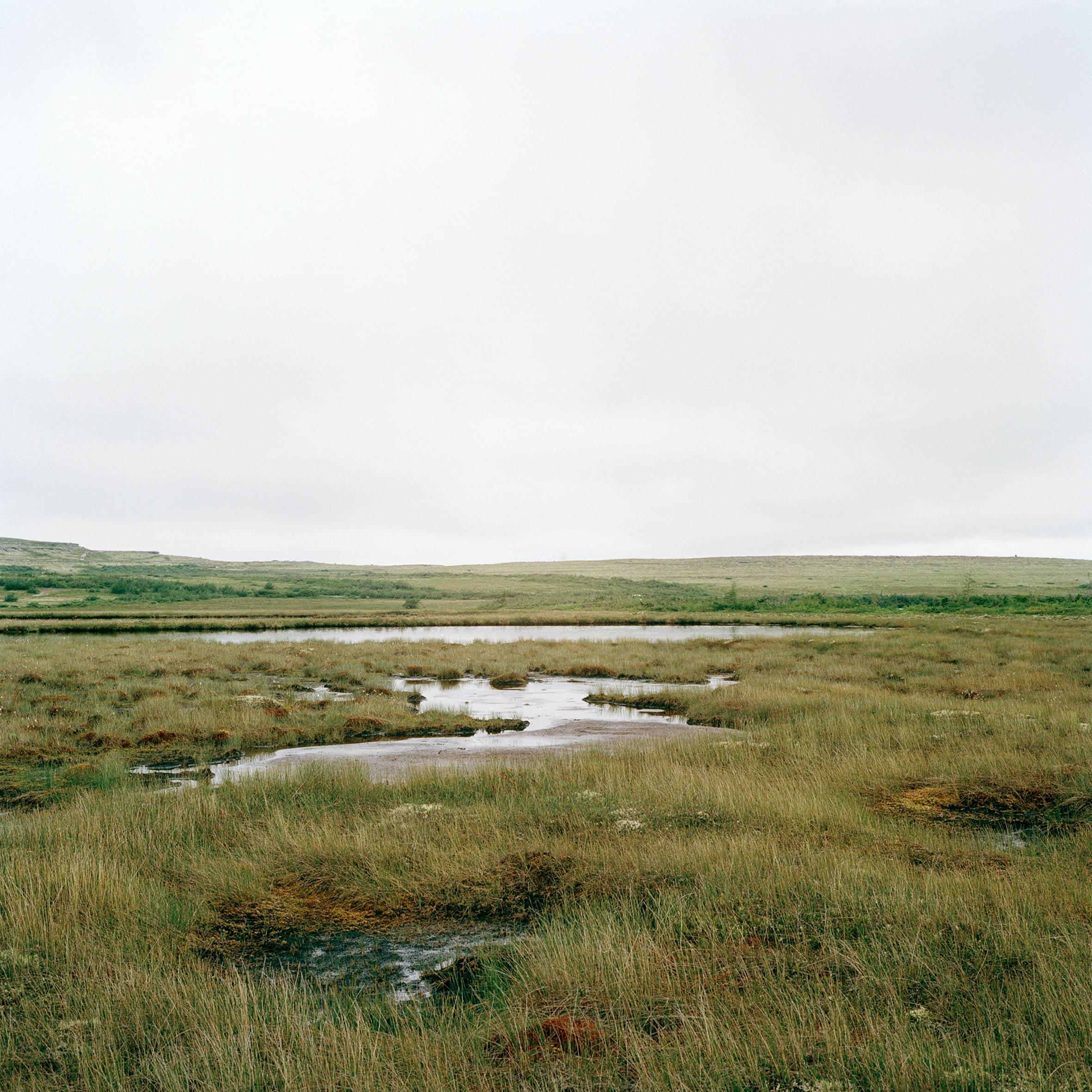 marcher créer, périple autobiographique, territoire du Labrador au Québec, paysage, paysage désertique, eau, ciel