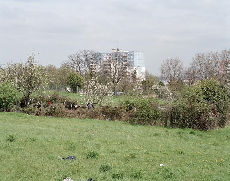 marcher/créer, déambuler, parcourir, photographier le paysage, photographier le territoire, paysage urbain, paysage périurbain, paysage de campagne, territoire du Val-de-Marne, ville de Vitry-sur-Seine, le parc des Lilas, friche,