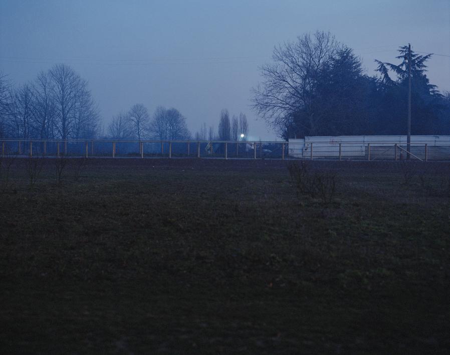 marcher/créer, déambuler, parcourir, photographier le paysage, photographier le territoire, paysage urbain, paysage périurbain, paysage de campagne, territoire du Val-de-Marne, ville de Vitry-sur-Seine, le parc des Lilas, friche, paysage de nuit