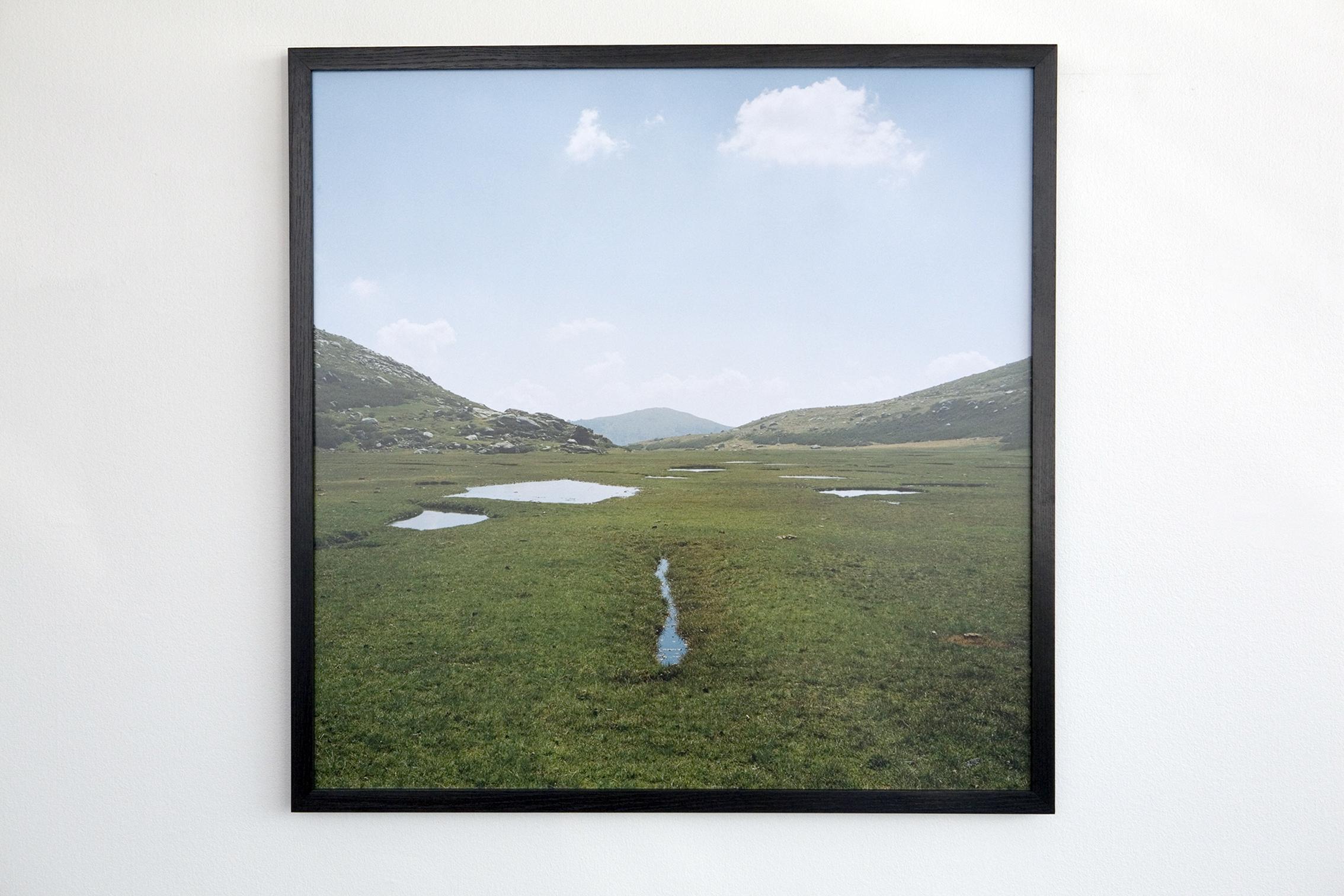 """exposition Vagabondages, Une pièce de """"Vagabondages"""", 80-80 cm, tirage argentique d'après négatif couleur, Corse, GR20, plateau du Niolu"""